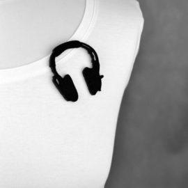 broszka filcowa słuchawki