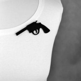 broszka filcowa pistolet