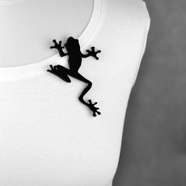 broszka filcowa żaba Tekla