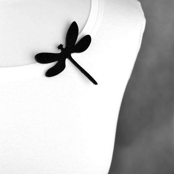 broszka filcowa ważka