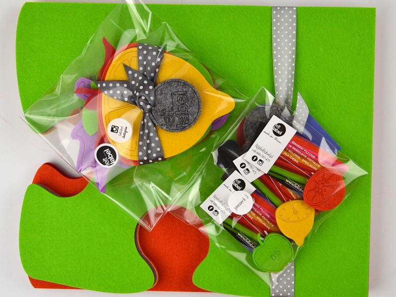 Kolorowe owocowo-puzzlowe