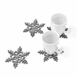 Cztery podkładki filcowe w kształcie śnieżynek FS4