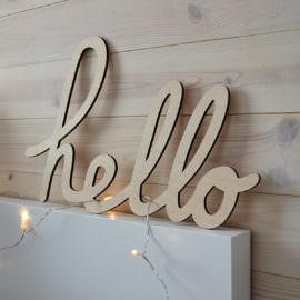 drewniany ozdobny napis - hello
