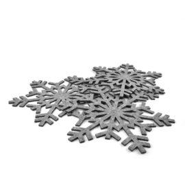 sześć podkładek filcowych w kształcie śnieżynek