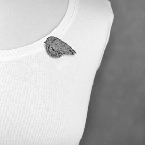 Broszka filcowa ptaszyna