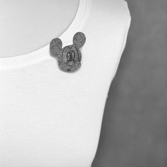 Broszka filcowa zdumiona mysz