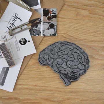 Filcowy mózg do dekoracji