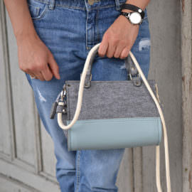 Filcowa torebka Baby Blue mini