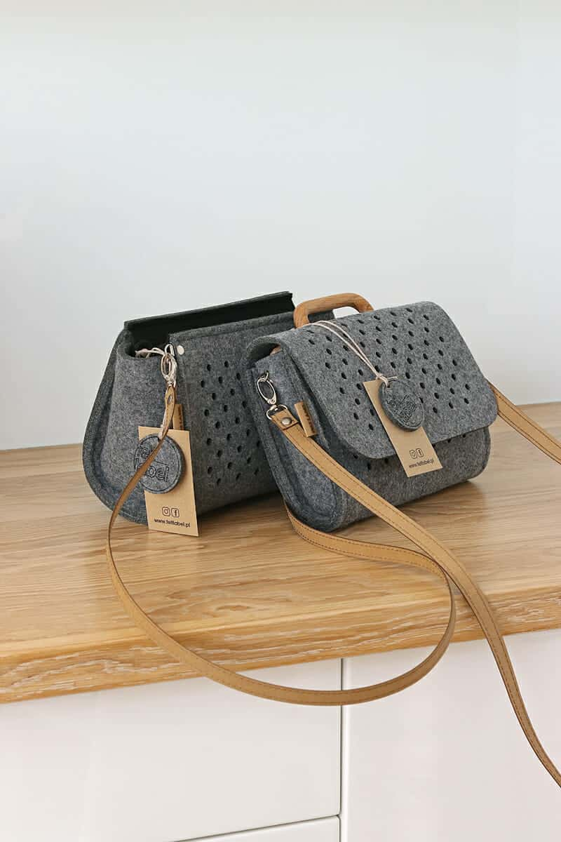 3774e51830e27 Filcowa torebka ZipperPocket - FELT LABEL