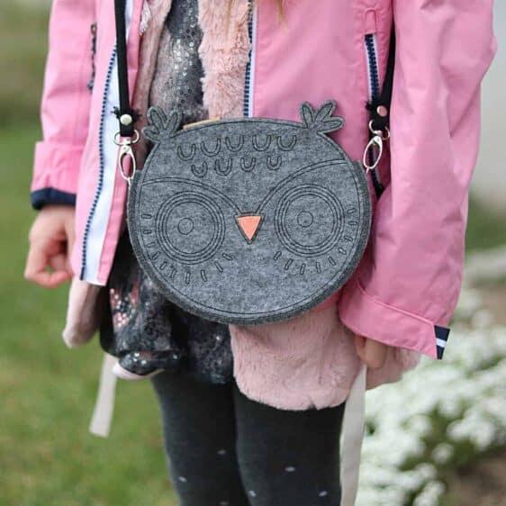 Szara filcowa torebka dla dziewczynki - Sówka