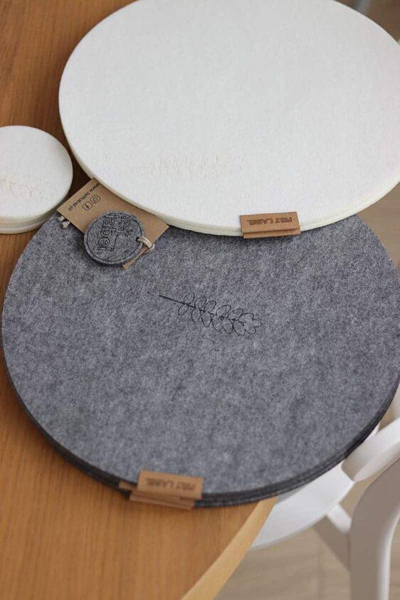 Podkładka filcowa pod talerz koło z listkiem